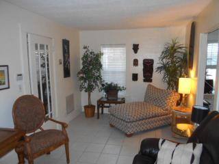 Seagrape cottage by the Intracoastal Waterway - West Palm Beach vacation rentals