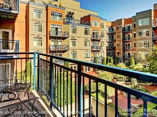 2 Bedroom 2 Bath Tranquil Oasis-Walk to all the Seattle Sights! - Seattle vacation rentals