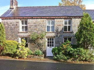 DERWEN VILLA, woodburner, WiFi, lovely wooded grounds, family-friendly cottage near New Quay, Ref. 26337 - New Quay vacation rentals