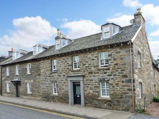 BRUADAIR, Grade B listed, en-suite, large enclosed lawned garden, surrounded by stunning countryside, in Aberfeldy, Ref. 27449 - Aberfeldy vacation rentals