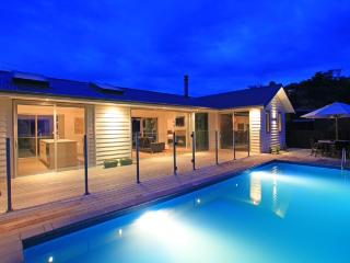 ON THE BEACH - Auckland vacation rentals