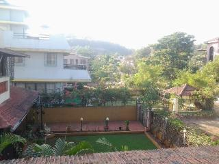 Gold valley with outdoor swimming pool, lonavala - Lonavala vacation rentals