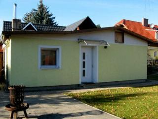 Vacation Home in Falkensee - calm, peaceful, central (# 4403) - Brandenburg vacation rentals