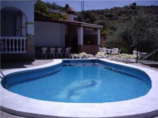 Holiday house for 22 persons, with swimming pool , in Málaga - Sayalonga vacation rentals