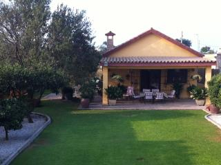 Villa - Charming cottage in Chipiona. - Cadiz vacation rentals