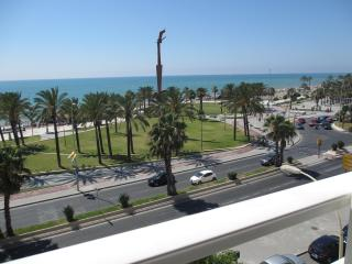 Beachfront Malaga-Pacífico,12 people,WIFI,parking - Rincon de la Victoria vacation rentals