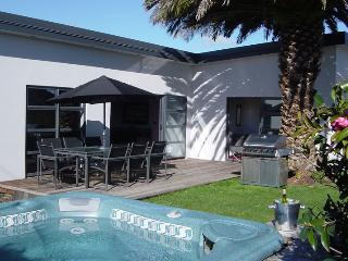 14 Cologne St - Luxury Holiday Home Accommodation - Martinborough vacation rentals