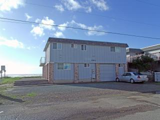 Monica's Five Bedroom Beach Front - Sleeps 16 - Oregon Coast vacation rentals