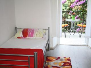 Apartment by the beach Bacvice - Split vacation rentals