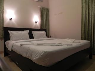 Corner Stay Serviced Apartment-Singanallur-Standard Room 2-Pvt - Coimbatore vacation rentals