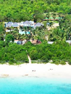 BLUE PALM... WOW!! Fabulous contemporary villa just 100 steps to beautiful Plum Baie beach + Full AC, Tennis & Gym!! - Plum Bay vacation rentals