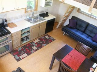 Garden Cottage; Custom Built and Central Location - Haiku vacation rentals