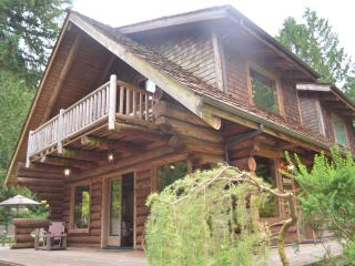 Enjoy Log cabin and the North West! - Redmond vacation rentals