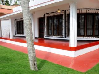 KOVALAM  LUXURY BEACH HOUSE SEA FRONT - Kovalam vacation rentals