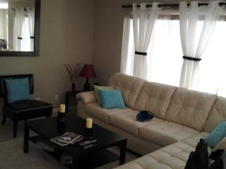 Beatiful  condo 2 miles from the beach. 2 Bedroom, 2 Bath - Boynton Beach vacation rentals