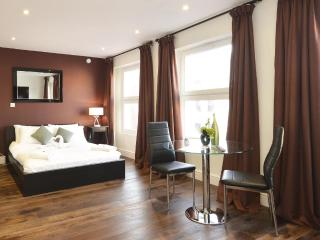The Kensington Studio Deluxe Apartment - London vacation rentals