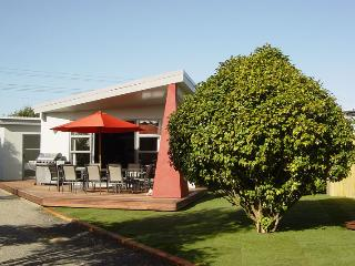 26 Cologne St - Luxury Holiday Home Accommodation - Martinborough vacation rentals