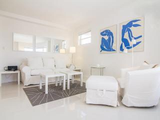 Fabulous 2BR on SOBE, across the beach on Collins Ave! - Miami Beach vacation rentals