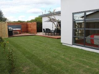 14A Cologne St - Luxury Holiday Home Accommodation - Martinborough vacation rentals