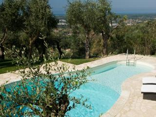Charming Villa close to the sea with pool and garden - Lucca vacation rentals