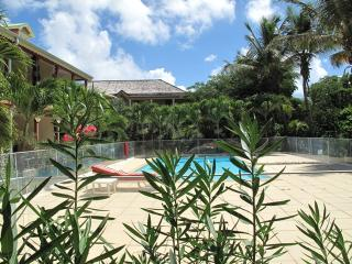 LATANIERS 12...affordable condo in the heart of Orient Village, St Martin - Terres Basses vacation rentals