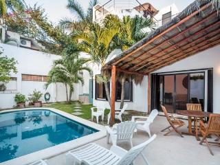 Casa Sora - Swimming Pool, Rooftop Terrace, 4 Blocks from Ocean - Cozumel vacation rentals