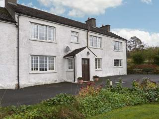 Hornsbarrow Farmhouse, 17th century cottage, open fire, off road parking, lawned garden, in Lupton, Ref 30291 - Lupton vacation rentals