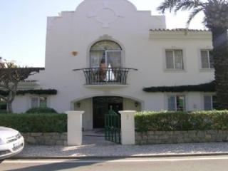Pinheiros Altos 33 - Quinta do Lago vacation rentals