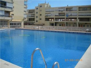 Newly renovated apartment for 4 persons, with swimming pool , near the beach in Torremolinos - Torremolinos vacation rentals