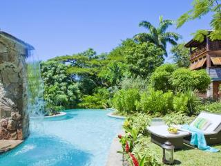 C'est La Vie at Trouya, Saint Lucia - Walk To Beach, Beautiful Tropical Gardens, Pool - Terres Basses vacation rentals
