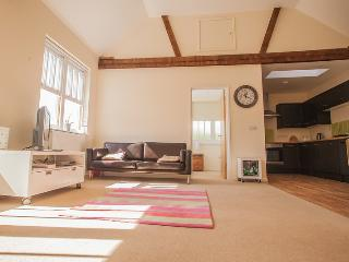 Stunning 1 bed converted Loft apartment, sleeps 4 - Worthing vacation rentals