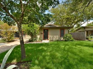 3BR/1BA Summer on Sale! Remodeled Central Home Minutes to Hyde Park and UT - Austin vacation rentals