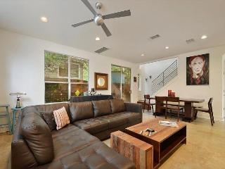 2BR/2.5BA Music Lover's Paradise - Walk to Zilker and ACL - Austin vacation rentals