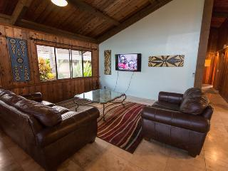 Sunset Hideaway Unit 2 (3bed) = Sep Special 200/nt - Haleiwa vacation rentals
