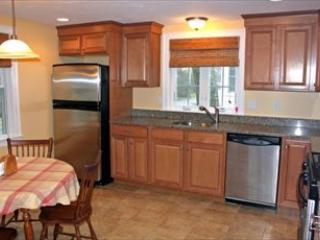 WALK TO BEACH IN Falmouth Heights 118914 - Falmouth vacation rentals