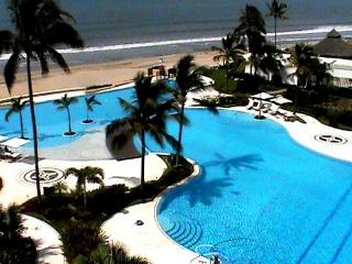 Luma Nuevo Vallarta 3 Bedroom Beach Front - Mexican Riviera-Pacific Coast vacation rentals