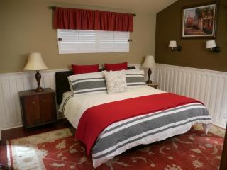 Gorgeous Private Guest house with outside living, Disney, Beach, Hollywood - Santa Ana vacation rentals