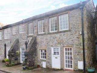 MILL APARTMENT, two-storey apartment in Grade II listed former mill, views of countryside and river, pet-friendly, in Airton, Re - Malham vacation rentals