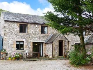 WELLGARTH COTTAGE, family accommodation, en-suite facilities, two sitting rooms, walks from door, in Newby near Appleby In Westm - Cumbria vacation rentals