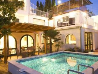 Villa with nice rooms in Cavtat - Dubrovnik vacation rentals