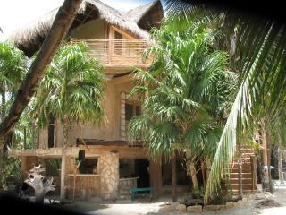 Casa Gina - 4 bedrooms - 3 minutes to the beach - Tulum vacation rentals