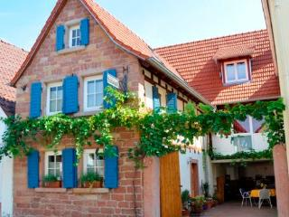 Vacation Apartment in Venningen - 689 sqft, charming, relaxing, bright (# 4431) - Rhineland-Palatinate vacation rentals
