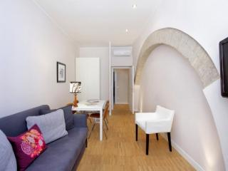 Rome Four Bedroom near the Colosseum Key 452 - Rome vacation rentals