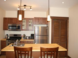 4 Bdrm Downtown Upscale Revelstoke Vacation Rental - Revelstoke vacation rentals