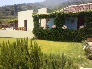 blue and yellow house - Casa Rural La Corujera: A Rural Paradise - Santa Ursula - rentals
