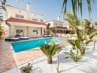 BOOK NOW for upto 20% off AUG - SEPT & OCT 2014 - Kapparis vacation rentals