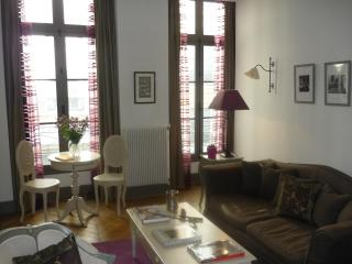 Beautiful One-Bedroom in Montorgeuil - Barcelona vacation rentals