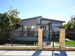 Landbeach Retreat - Perth, Butler, Joondalup - Swansea vacation rentals