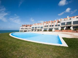 1199014 - Modern townhouse with stunning Sea Views, Pool and Tennis Court - Praia da Areia Branca - Leiria District vacation rentals