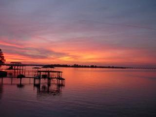 Cedar Creek Lake-Lake Living at it's Best - Texas Prairies & Lakes vacation rentals